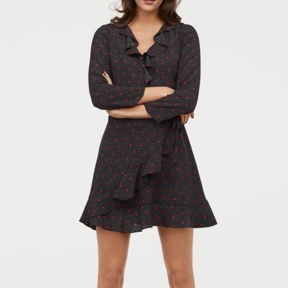 H&M Dresses & Skirts - H&M Wrap mini dress